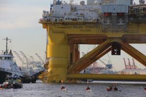 Kayaktivists Own Mega Monster Shell Oil Polar Pionneer Rig Heading for Alaska